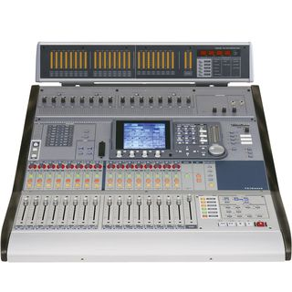 _SET_ Tascam DM-3200 incl.MU-1000 MB 1x Digitalmixer,1x Meterbridge