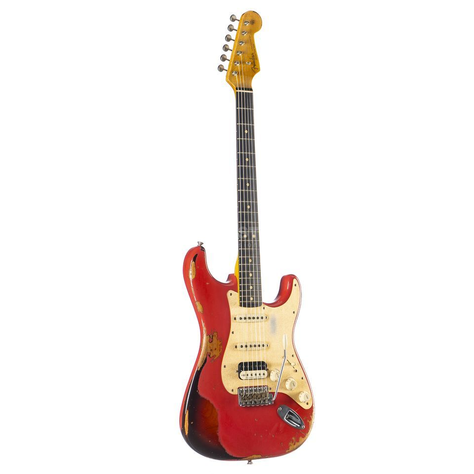 Fender '63 Heavy Relic Stratocaster HSS Fiesta Red over 3-Color Sunburst #R93500 Productafbeelding