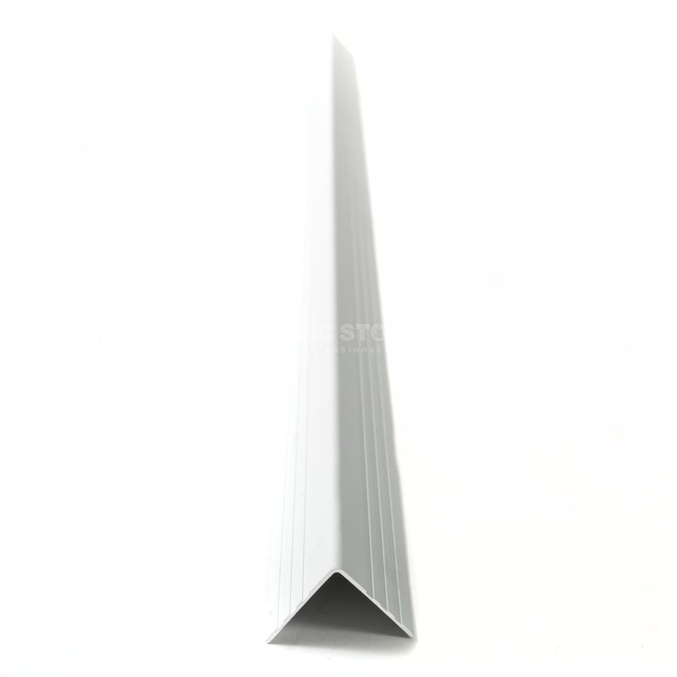MUSIC STORE Case Angle 30 x 30 mm, 1m Product Image