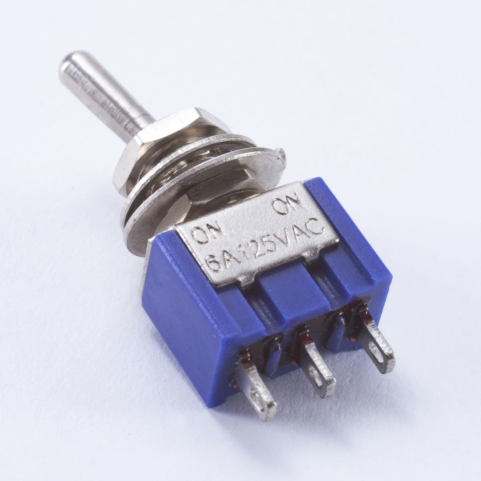 WSC Partsland M105 mini Switch on-on 3 pin, chrom Produktbillede