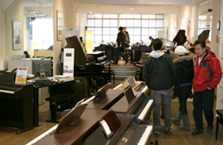 E-Pianos Department